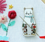 Flower Cat Needle Minder